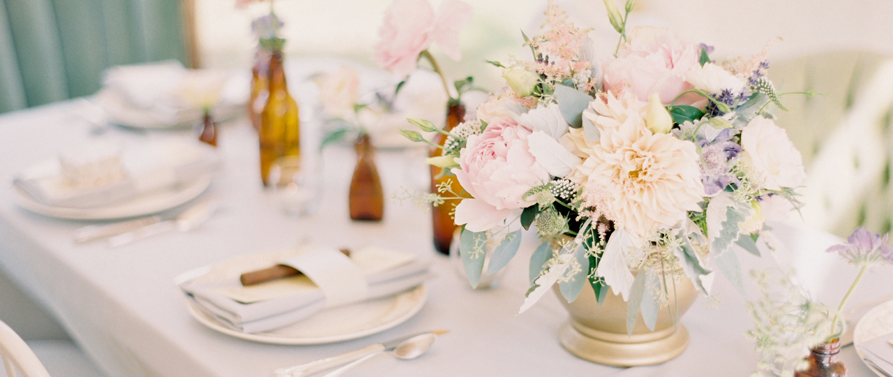 A romantic Montana tablescape | (c) Jeremiah and Rachel Photography